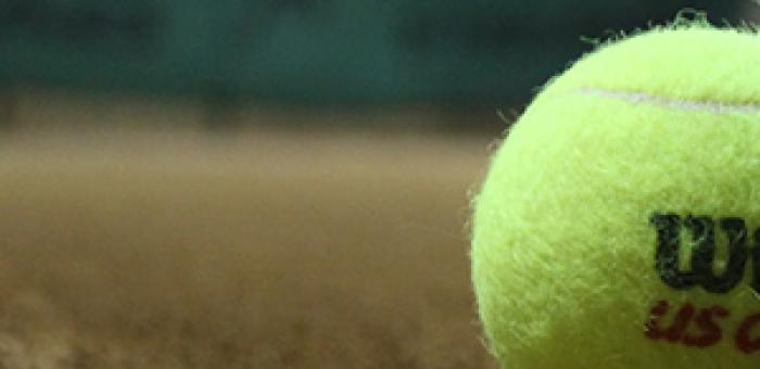 Tenisák na kurtu